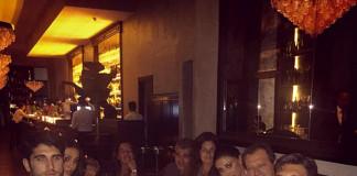 Belen Rodriguez e Stefano De Martino al ristorante con le famiglie